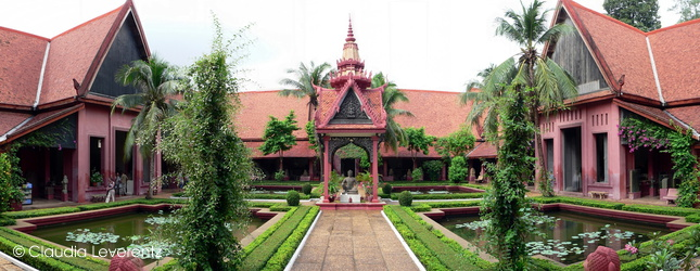 Phnom Penh - Innenhof des Nationalmuseums