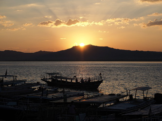 Sonnenuntergang am Irrawaddy-Fluss