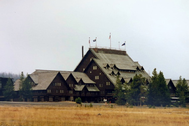 Yellowstone NP - Old Faithful Inn
