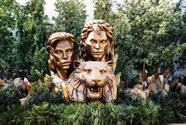 Siegfried & Roy Monument